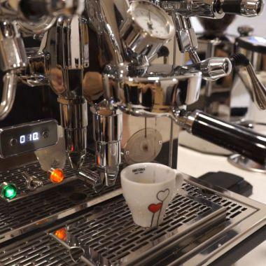 Takové to domácí vaření s @ecmespresso 💪😃. Na mlýnku Costa Rica RL60 . #ecmespresso #espresso …