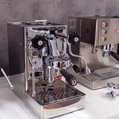 Nejkompaktnější espresso kávovar s hlavou E61!😍🍾👏👉☕ Lelit zkonstruoval espresso kávovar unikátních…